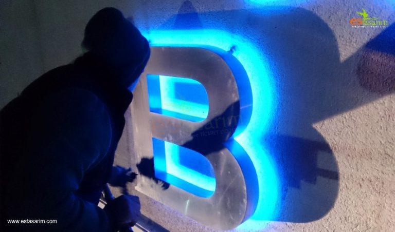 led ışıklı metal harf